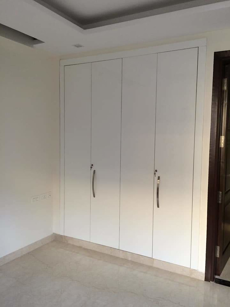 classicspaceinterior BedroomWardrobes & closets White