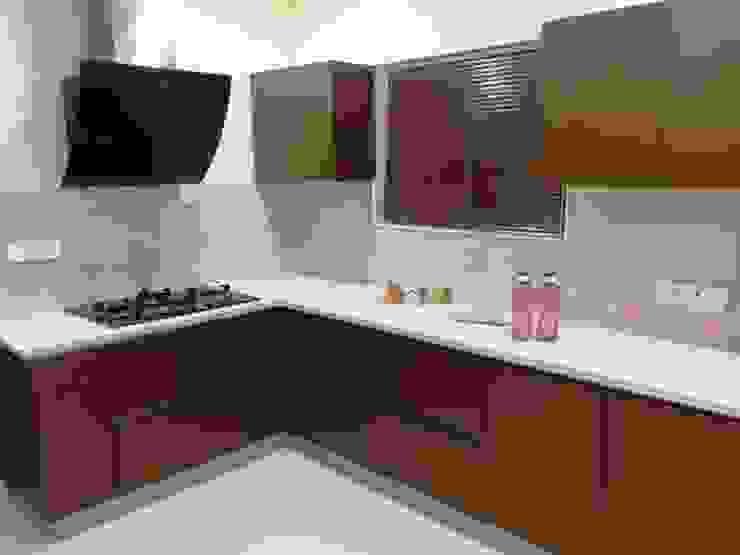 :  Kitchen by classicspaceinterior,