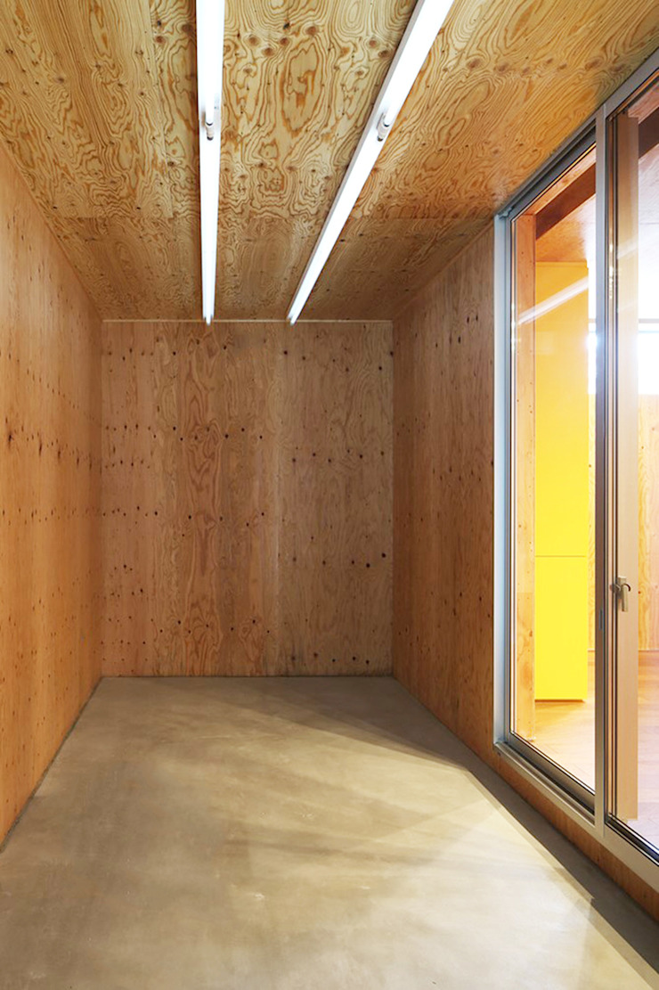 *studio LOOP 建築設計事務所 Modern Garage and Shed
