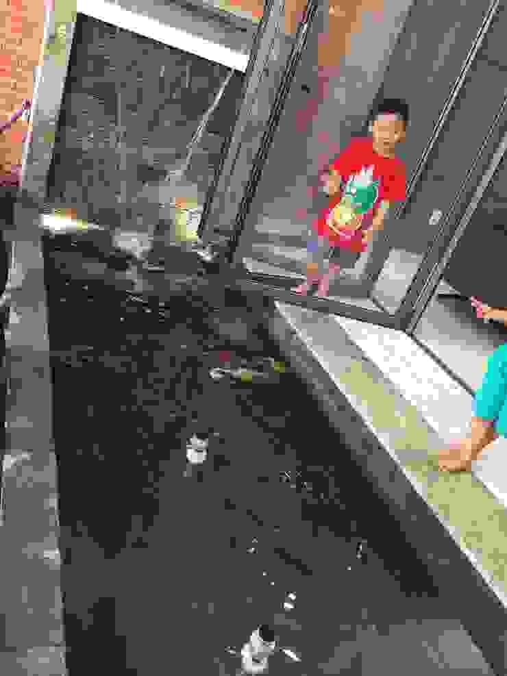 Thiên nhiên giúp tạo môi trường sống lý tưởng đối với các gia đình có trẻ nhỏ. bởi Công ty TNHH TK XD Song Phát Châu Á Đồng / Đồng / Đồng thau
