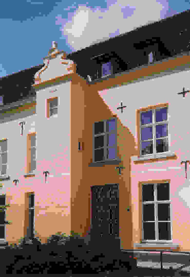 Verbouwing en restauratie Klooster Zusters onder de Bogen, Maastricht Klassieke gezondheidscentra van Verheij Architecten BNA Klassiek