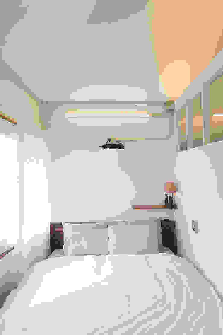 미우가 디자인 스튜디오 Dormitorios de estilo rústico