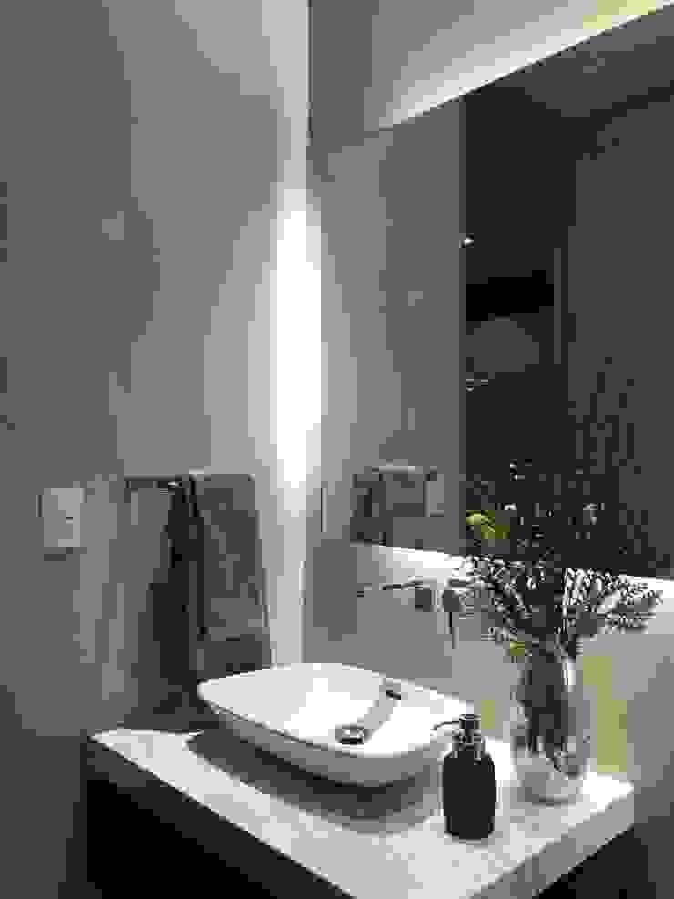 Modern Bathroom by De Firma Muebles Modern Ceramic