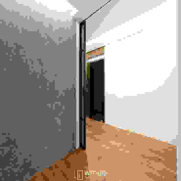 양면 브론즈경 접합유리가 적용된 현관 중문 by WITHJIS(위드지스) 모던