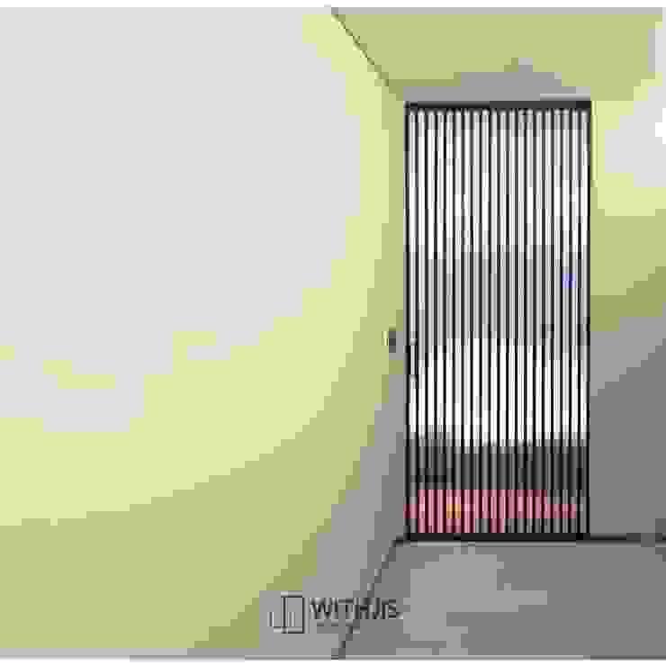 vertical strip door by WITHJIS(위드지스) 모던