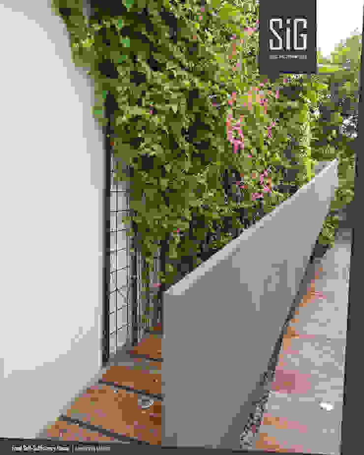 Rumah Kebun Mandiri Pangan (Food Self-Sufficiency House) Koridor & Tangga Minimalis Oleh sigit.kusumawijaya | architect & urbandesigner Minimalis Beton