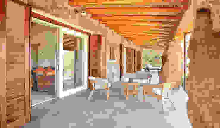 veranda colazioni e relax Alfredo Pulcrano Balcone, Veranda & Terrazza in stile mediterraneo