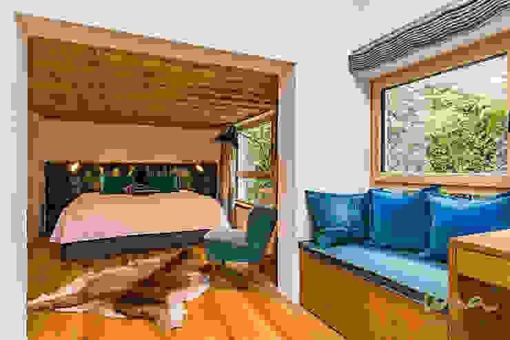 Спальня в стиле кантри от UNA plant Кантри