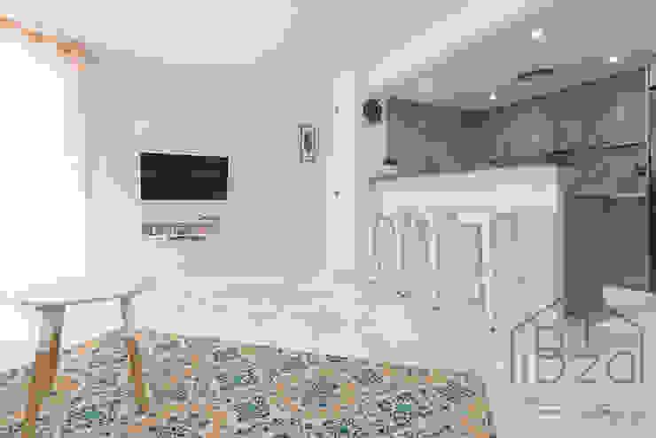 ROX & IRE IBIZA SL Mediterranean style living room