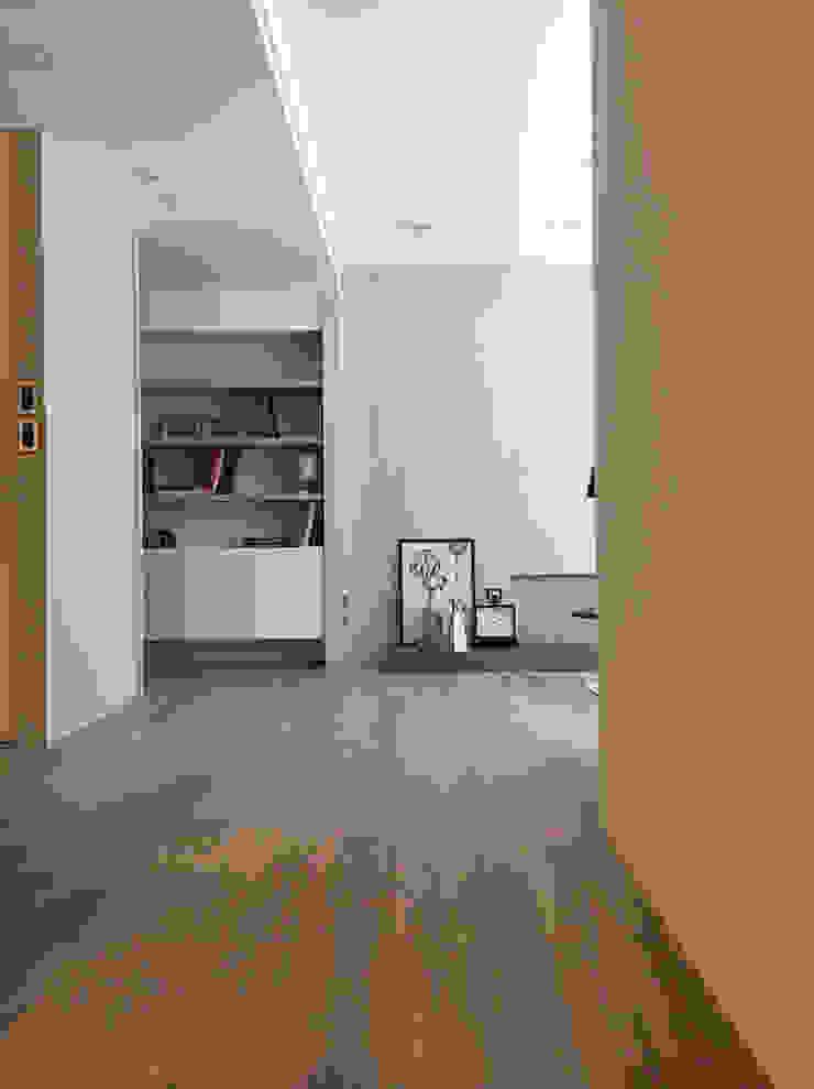 曙光 現代風玄關、走廊與階梯 根據 Fertility Design 豐聚空間設計 現代風