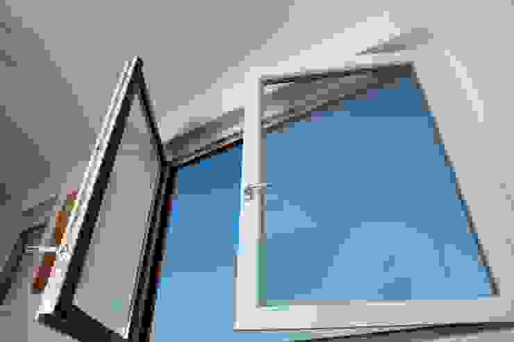 Fenster und Türen BWD Messe GmbH Moderne Geschäftsräume & Stores
