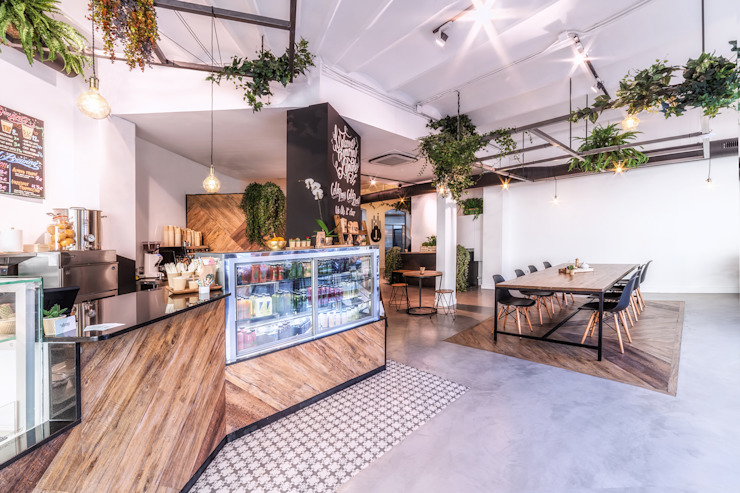 Office spaces & stores  by LaBoqueria Taller d'Arquitectura i Disseny Industrial
