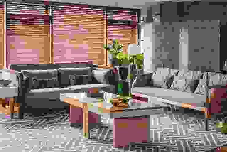SALA 1 - OCHOINFINITO Salas de estilo ecléctico de OCHOINFINITO Mobiliario - Interiorismo Ecléctico Madera maciza Multicolor