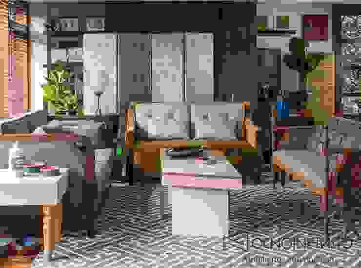 SALA 2 - OCHOINFINITO Salas de estilo ecléctico de OCHOINFINITO Mobiliario - Interiorismo Ecléctico Madera maciza Multicolor