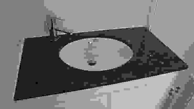 築地岩移動宅 Classic style bathroom