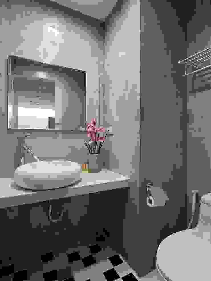 時光交錯的雅士淺居 現代浴室設計點子、靈感&圖片 根據 禾光室內裝修設計 ─ Her Guang Design 現代風