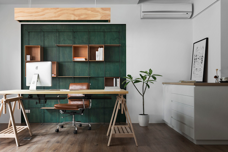 Ronn Residence 平面設計師的家 Modern Study Room and Home Office by Studio In2 深活生活設計 Modern Wood Wood effect