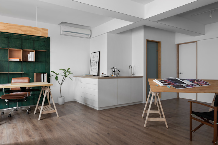 Ronn Residence 平面設計師的家 现代客厅設計點子、靈感 & 圖片 根據 Studio In2 深活生活設計 現代風