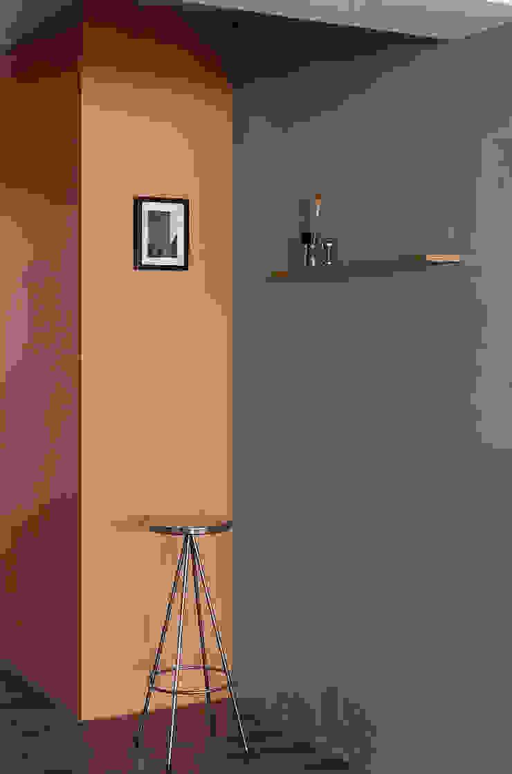 Ronn Residence 平面設計師的家 根據 Studio In2 深活生活設計 現代風 水泥