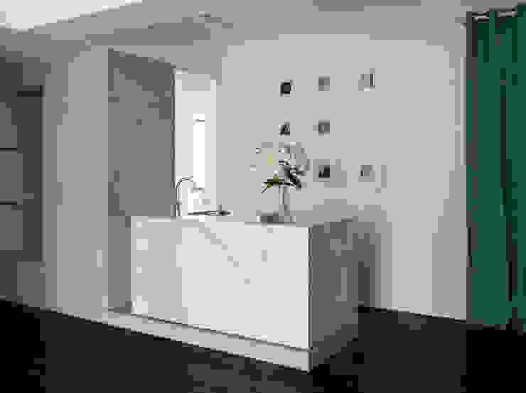 Major D Studio Modern walls & floors by Studio In2 深活生活設計 Modern