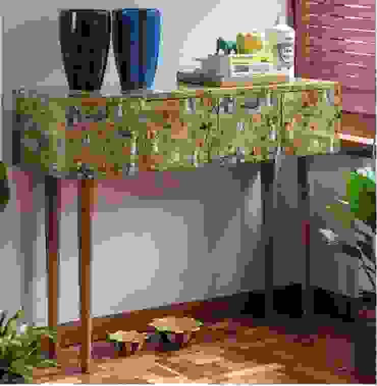 CONSOLA FAUNA Y FLORA de OCHOINFINITO Mobiliario - Interiorismo Ecléctico Madera maciza Multicolor