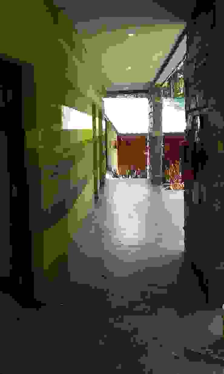 Proyecto y construcción Hotel Ivy Hoteles de estilo moderno de GS TALLER DE ARQUITECTURA Moderno Piedra
