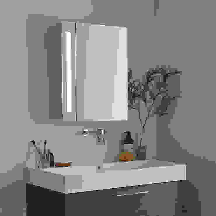 Milano Leitha LED Mirrored Cabinet Baños de estilo moderno de homify Moderno