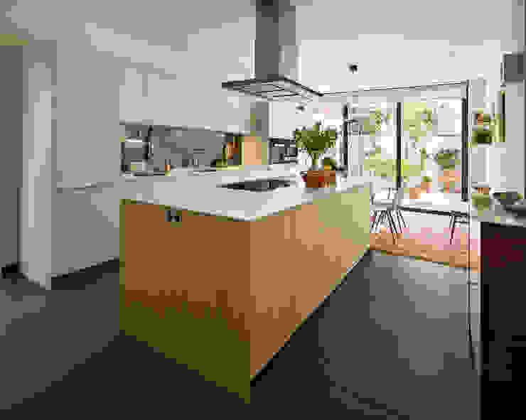 Kitchen Dining bởi Kitchen Architecture Hiện đại