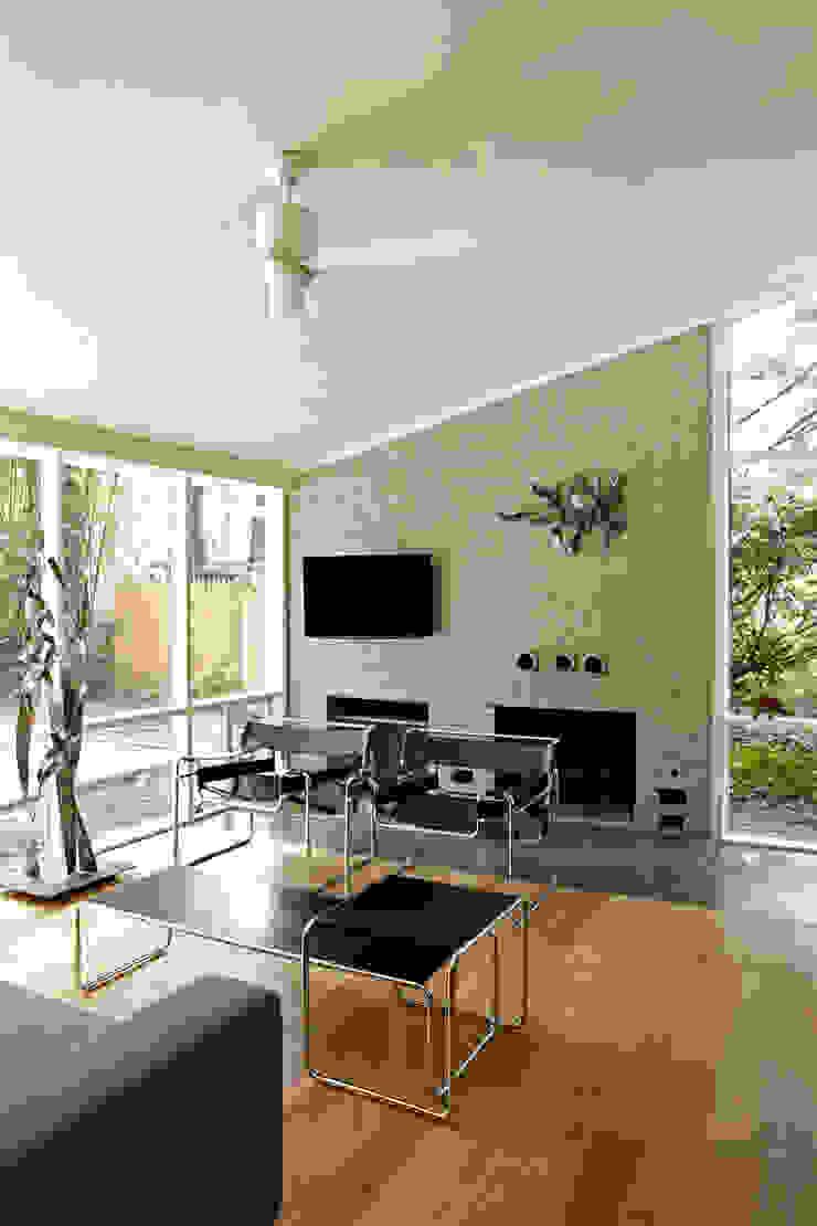 โดย KUBE Architecture โมเดิร์น
