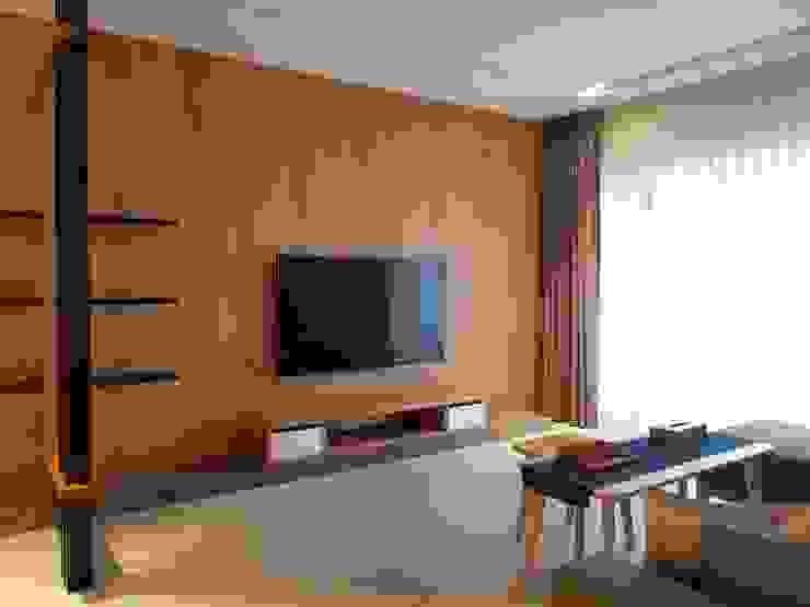 客廳 现代客厅設計點子、靈感 & 圖片 根據 homify 現代風