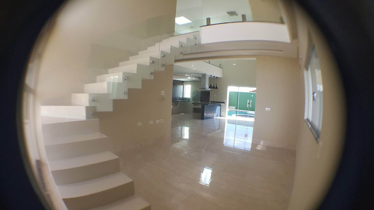 Лестницы в . Автор – Aline Monteiro , Модерн