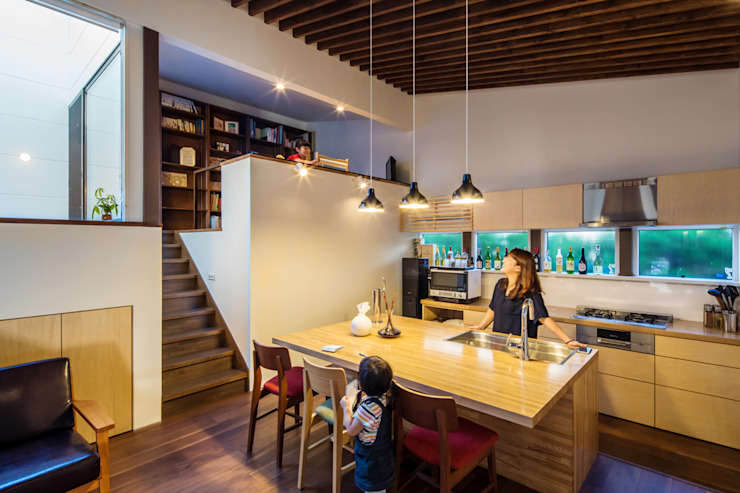 Modern Kitchen by 株式会社建築工房DADA Modern