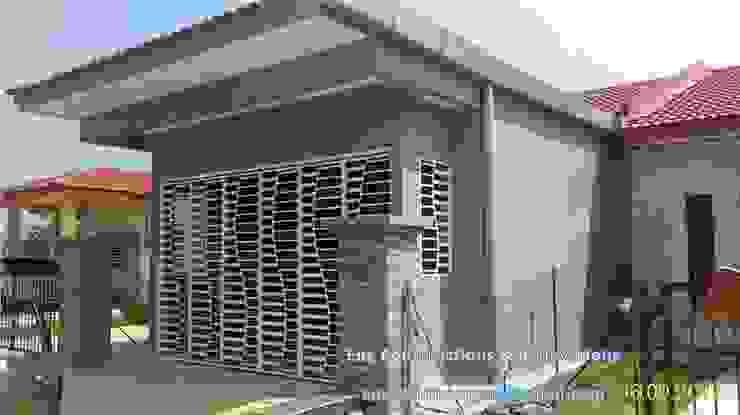 Salas de estilo moderno de Sam Contractors Ipoh Moderno
