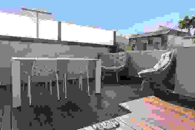 Balcones y terrazas modernos de Goian Moderno