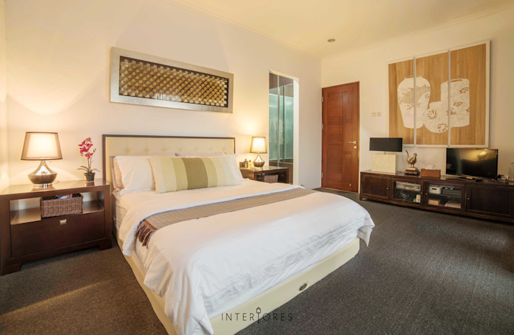 Kamar 1 - Tempat Tidur:  Kamar Tidur by INTERIORES - Interior Consultant & Build