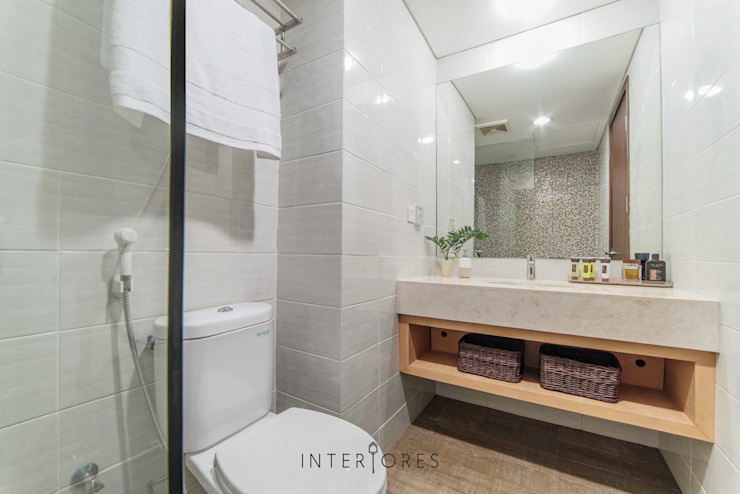 Minimal style Bathroom by INTERIORES - Interior Consultant & Build Minimalist Ceramic