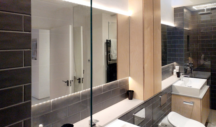 Ensuite Bathroom:  Bathroom by The Crawford Partnership, Modern