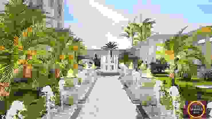 Landscape design and architecture from Katrina Antonovich Classic style garden by Luxury Antonovich Design Classic