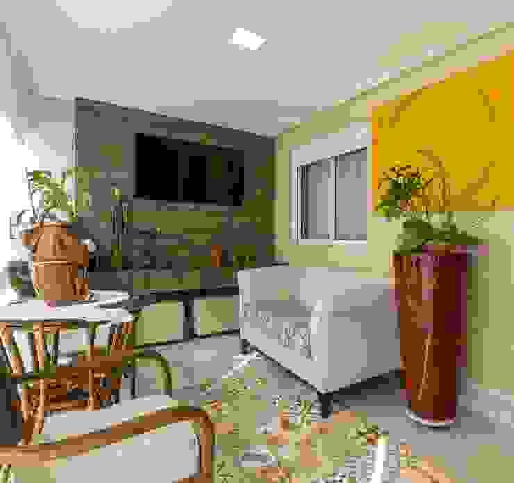 PB Arquitetura Balcone, Veranda & Terrazza in stile eclettico