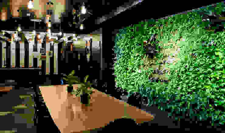 por Ivy's Design - Interior Designer aus Berlin Eclético Plástico