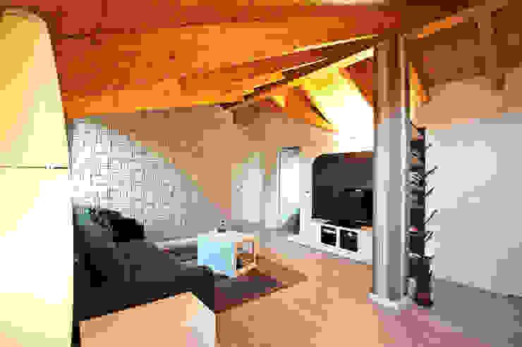 Annalisa Carli Modern living room Wood Beige