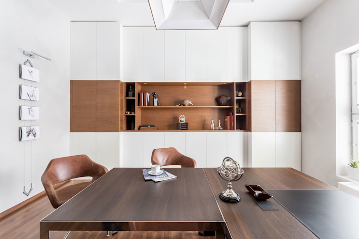 Studio 25 Industrial style office buildings