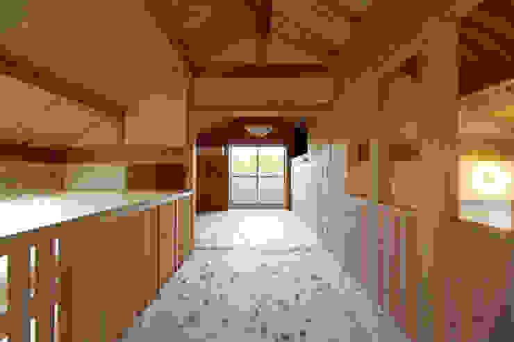 小笠原建築研究室 Nursery/kid's room Solid Wood