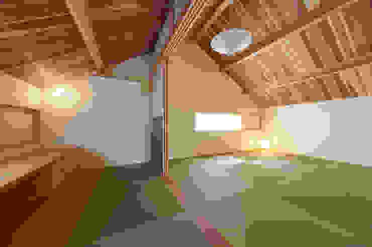 小笠原建築研究室 Media room Solid Wood