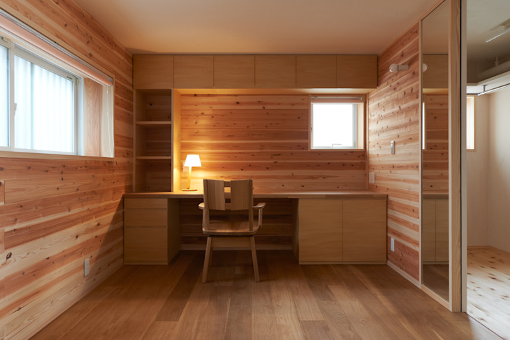 小笠原建築研究室 Study/office Solid Wood