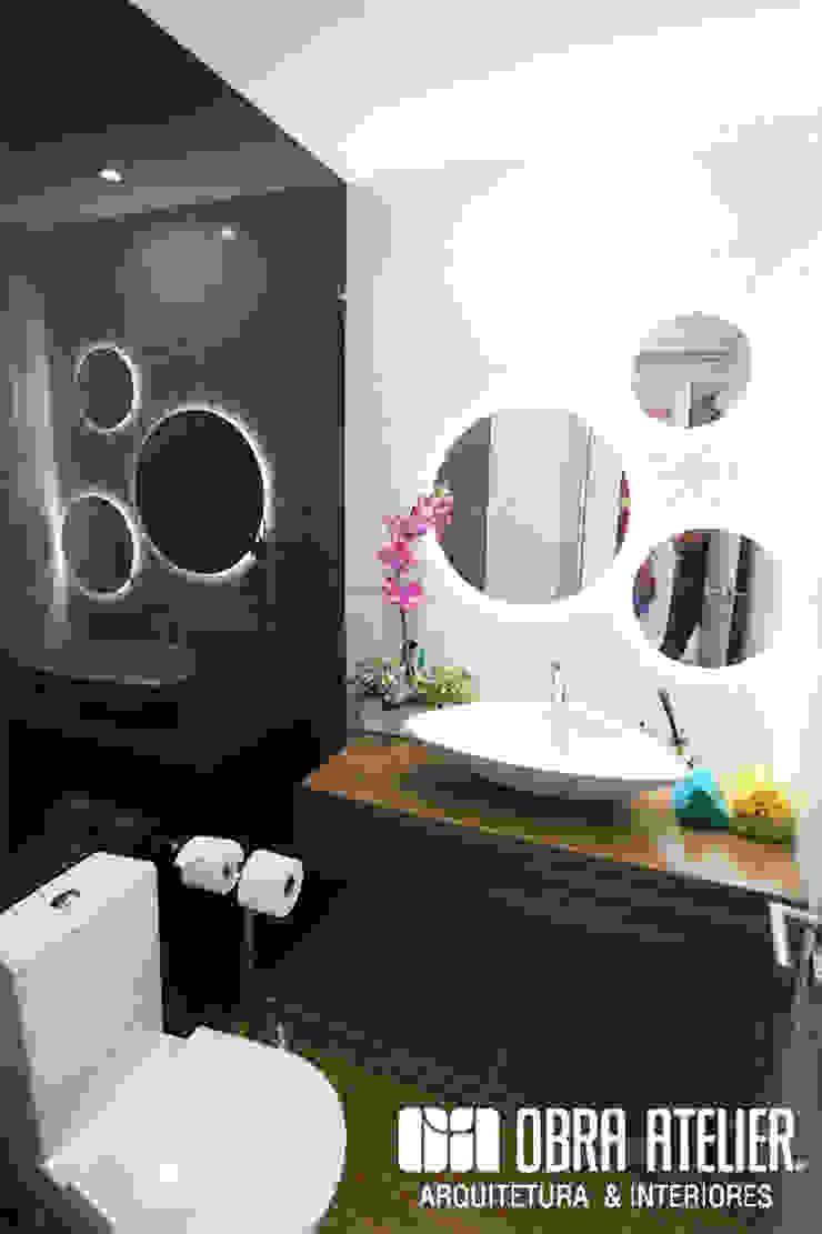 OBRA ATELIER - Arquitetura & Interiores Baños de estilo moderno Blanco