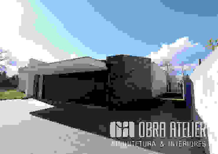 by OBRA ATELIER - Arquitetura & Interiores Рустiк Камінь