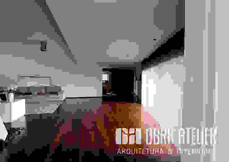 Visualização espaço Interior Salas de estar campestres por OBRA ATELIER - Arquitetura & Interiores Campestre