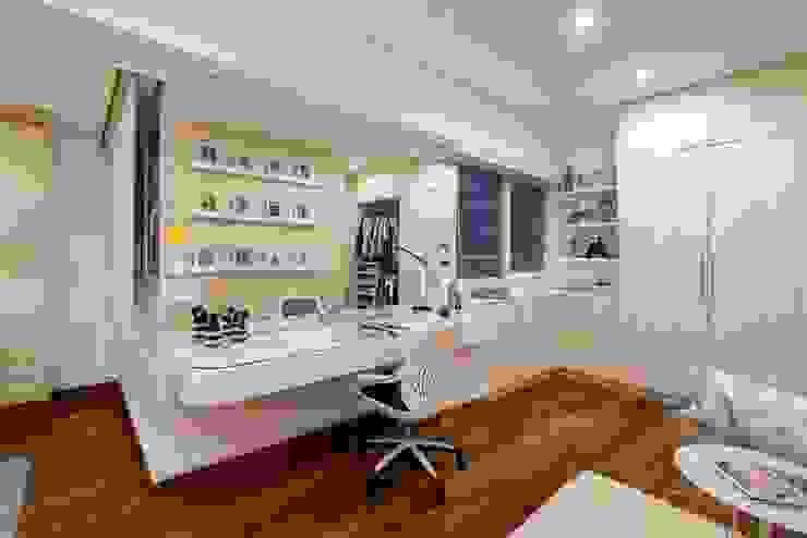 DORMITORIO HIJA DMS Arquitectas DormitoriosClósets y cómodas