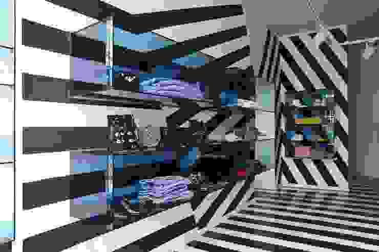 LEMONADE // fashion store // München LOVA Moderne Ladenflächen Glas Blau